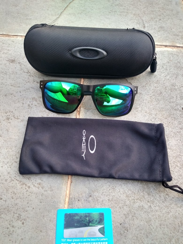 Óculos Oakley Holbrook Metal - R  99,99 em Mercado Livre 03d37569b5