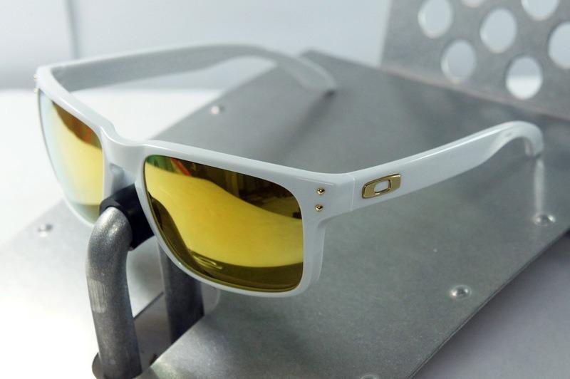 9f174d62c7901 Oakley Holbrook Polished Shaun White 24k Gold Polarizado - R  389