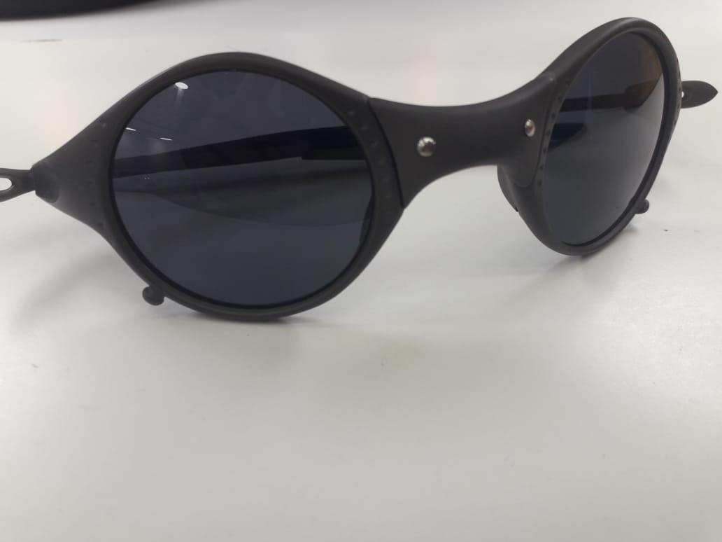 f13d0569b Oakley Juliet Mars Medusa Preto + Caixa + Bag + Certificado - R$ 120 ...