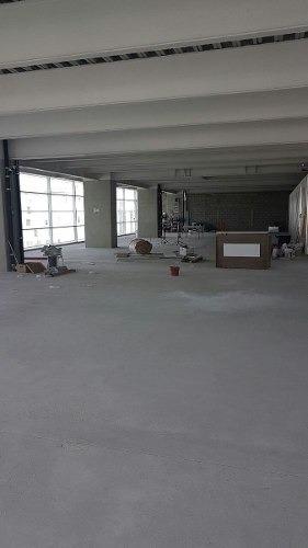 obra gris  piso 4 con 700 m2 terret