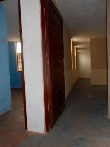 ocasión vendo casa 3 pisos para remodelar - san miguel