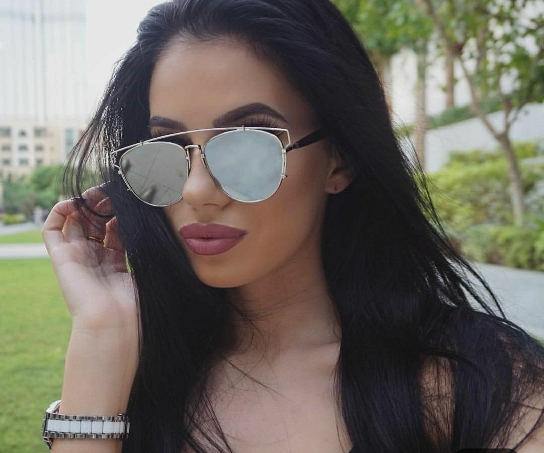 óculo de sol escuro espelhado grande marca famosa blogueira. Carregando  zoom. 07890d2d16