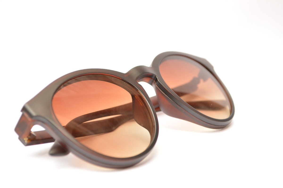 9ae40663314b5 Óculos 2 Em 1 Armação De Grau De Sol Unissex Moda D86 - R  100,00 em ...