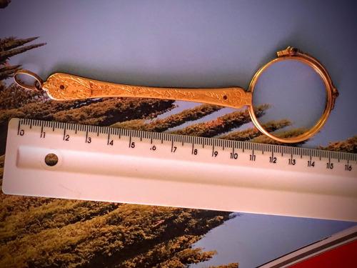 óculos antigo piscinê para o vovô barão