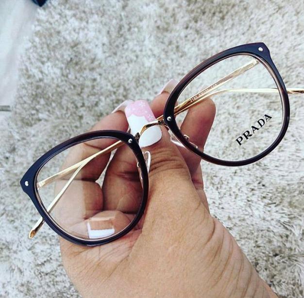 700a8ece69623 Óculos Armação De Grau Feminino Redondo Geek Dourado+brinde - R  139,90 em Mercado  Livre