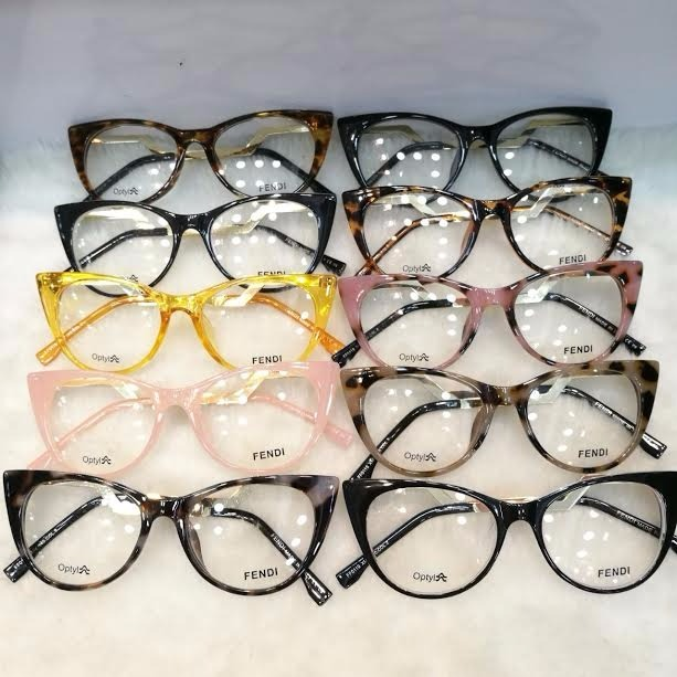 e4bbd9a7b4fc4 Óculos Armação De Grau Gatinho Acetato Haste Metal + Frete - R  120 ...
