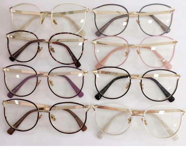 526cb94f563ac Óculos Armação De Grau Redondo Metal Geek Gatinho Unissex - R  99,00 ...