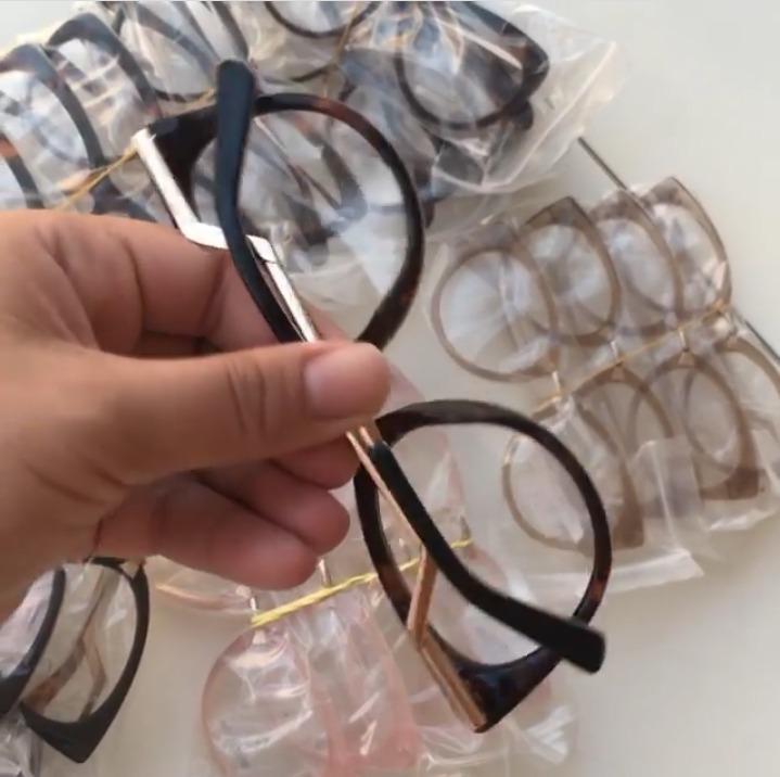 Óculos Armação Gatinho Metal Dourado Feminino Frete Grátis - R  115 ... ba063b1f20