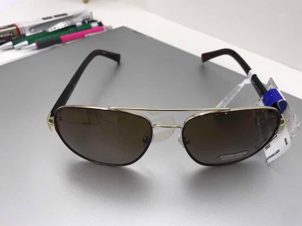 Óculos Calvin Klein Modelo R357s Aviator S 221337 - R  499,00 em ... f711df2342