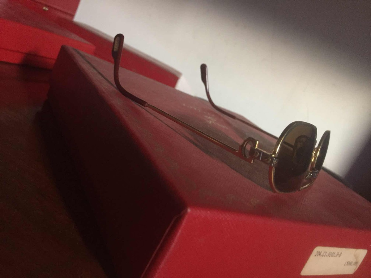 3bacd283c14 óculos cartier feminino (praticamente sem uso) 100%original. Carregando  zoom.