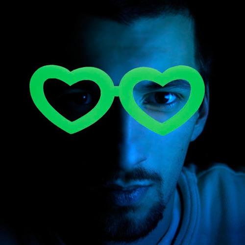 óculos coração que brilha no escuro - kit 10 unidades