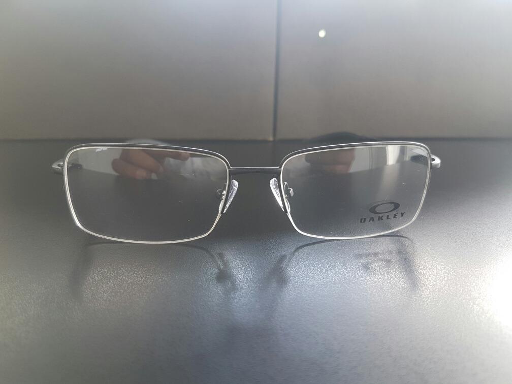 8cd03c65a3904 Óculos De Descanso Oakley Armação Oakley Grau 0° - R  79,99 em ...
