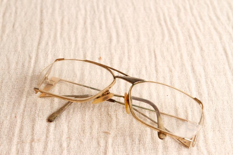 b87b18fff Oculos De Grau Armação Feminino Antigo - R$ 25,00 em Mercado Livre