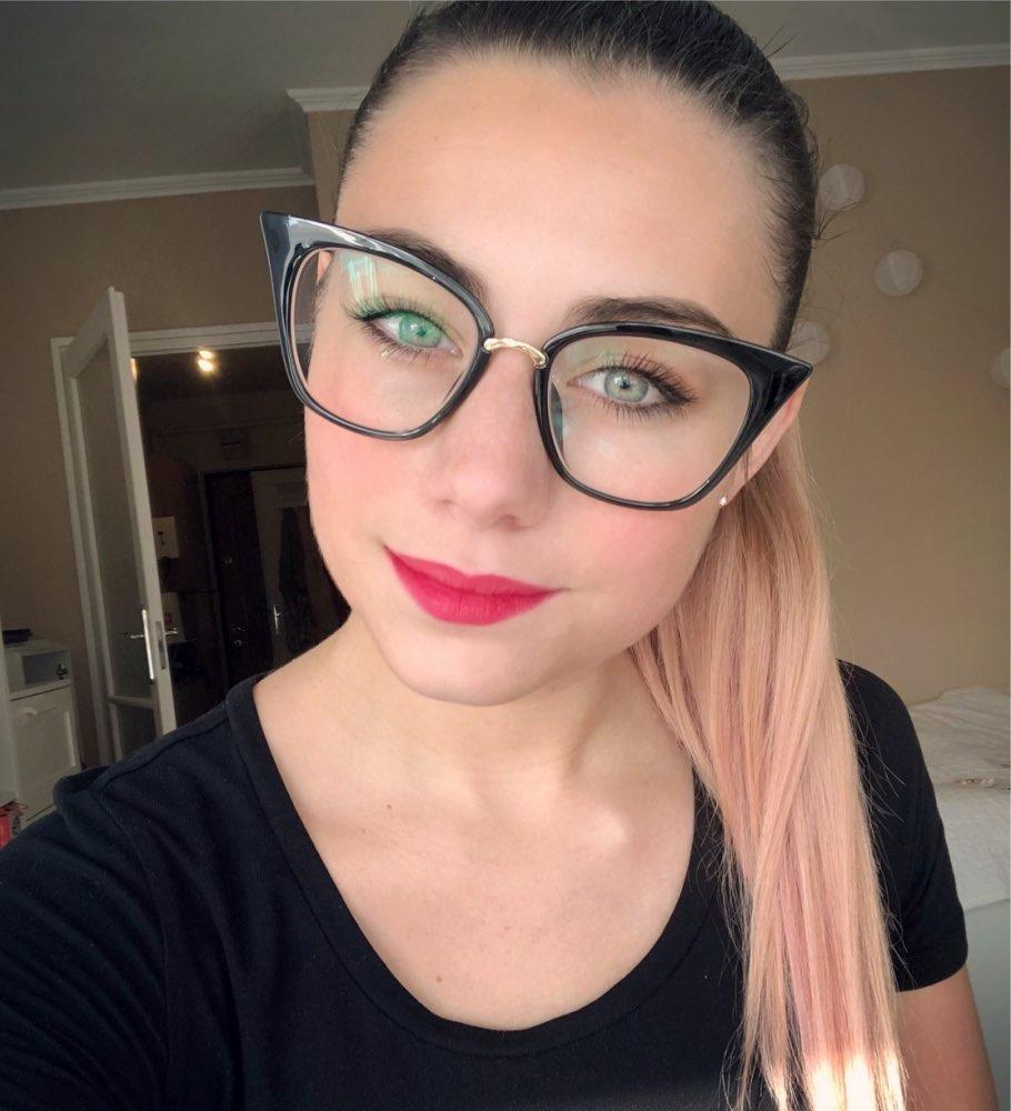f827b7b22144b Óculos De Grau Feminino Gatinho Grande - R  98