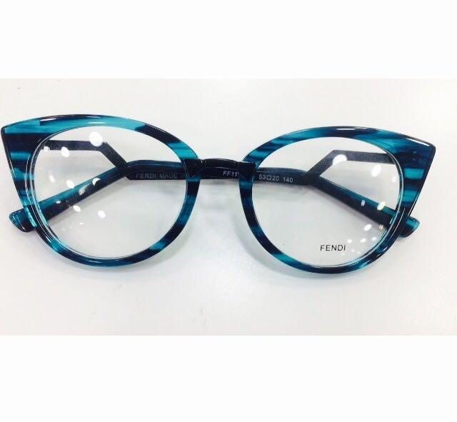 Oculos De Grau Fendi Armação Azul Gatinho Feminino -fe114 - R  135,00 em  Mercado Livre eb5bb739af