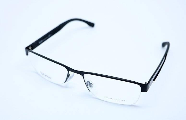 ee6f0bb46ac Óculos De Grau Hugo Boss 0644 Hxj Preto - R  1.339