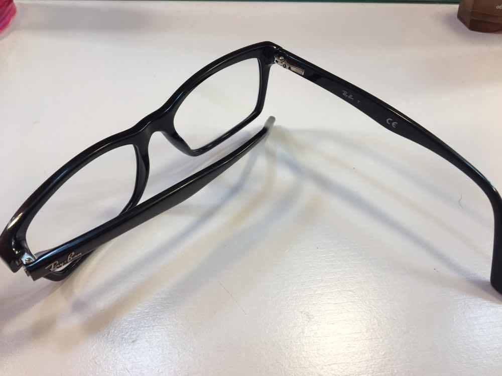 dd1c8504e Óculos De Grau Ray Ban Original Preto - R$ 300,00 em Mercado Livre