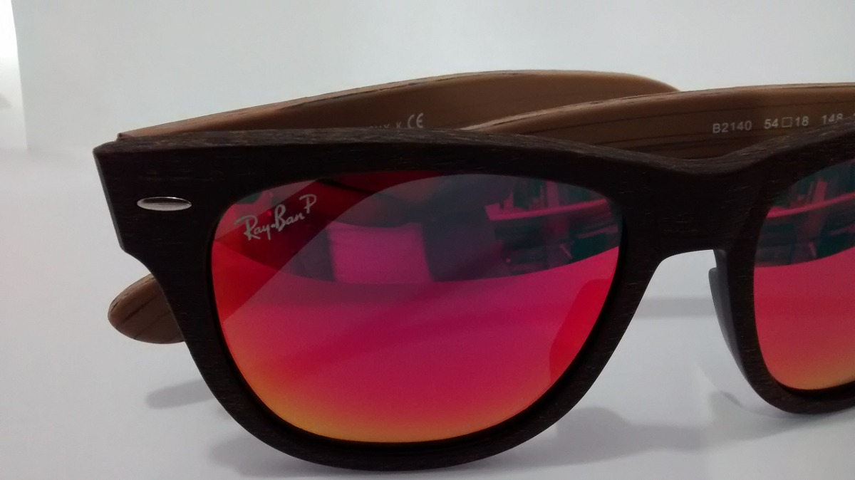 afd5a14da5f40 Óculos De Madeira Modelo Wayfarer Lente Vermelha Espelhada - R  166 ...