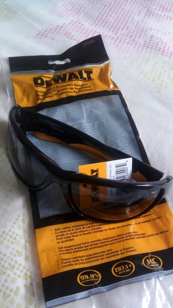Óculos De Proteção Dewalt Dominator - R  96,15 em Mercado Livre 9c2bd35f75