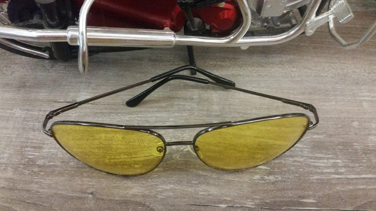 Oculos De Sol Amarelho Para Uso Noturno E Esportes - R  54,90 em ... 11f4c4136d