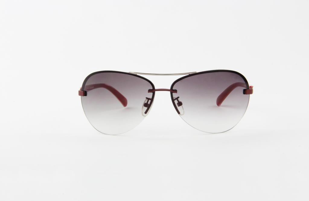 5565dac3e5494 óculos de sol atitude em metal vinho lente marrom degradê. Carregando zoom.