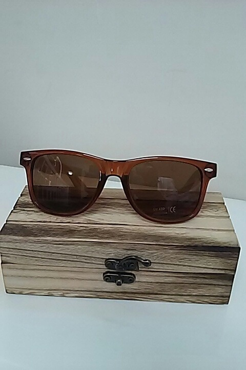 e5410bbcd Óculos De Sol Bemucna Hastes De Madeira Proteção Uv400 - R$ 129,90 ...