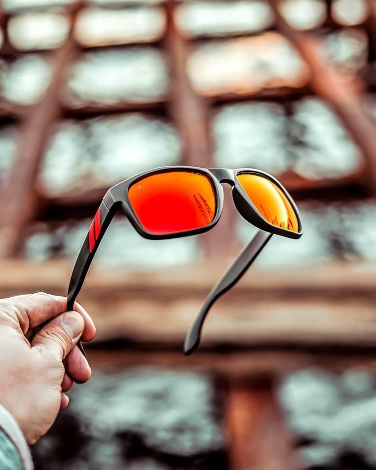 0e888fe673cd Óculos De Sol Blenders Red Strike Polarizado - R$ 320,00 em Mercado ...
