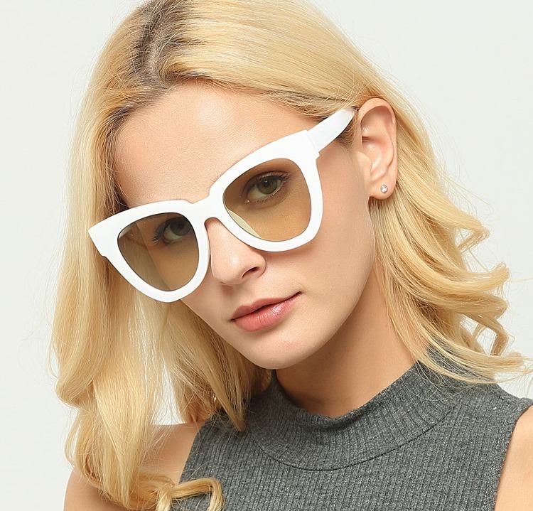 41f2a7b388bf8 Óculos De Sol Cat Branco Coleção 2018 19 Feminino Moderno - R  75
