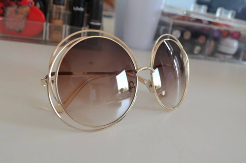 48a15c9db6ff3 Oculos De Sol Chloe Carlina Redondo Luxo Marrom dourado - R  79