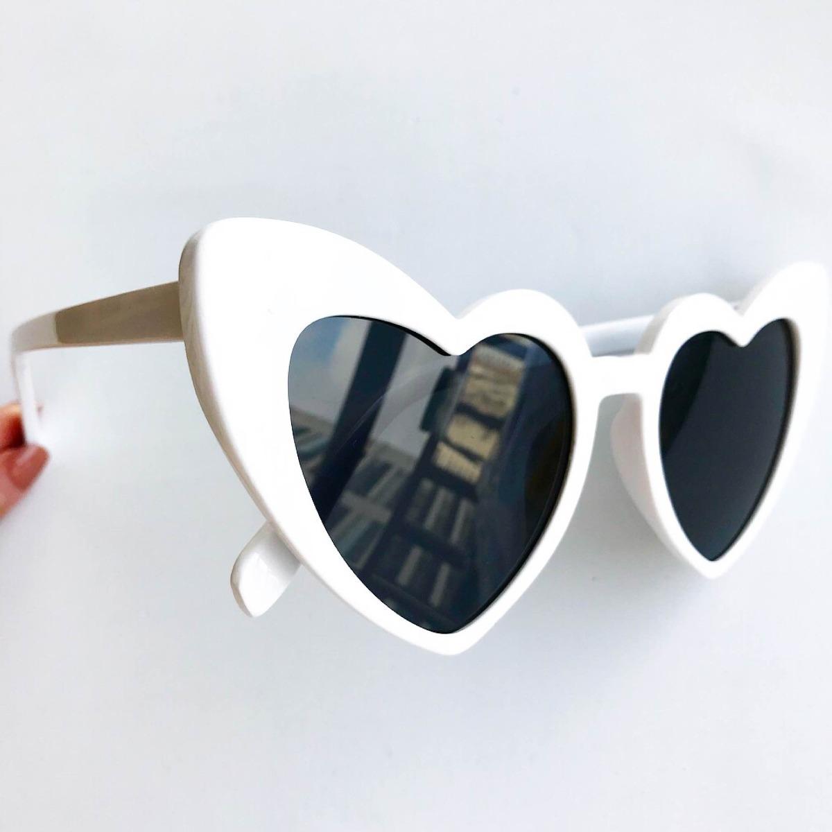 óculos de sol coração formato coração com caixa novo modelo. Carregando  zoom. bc394f26f5