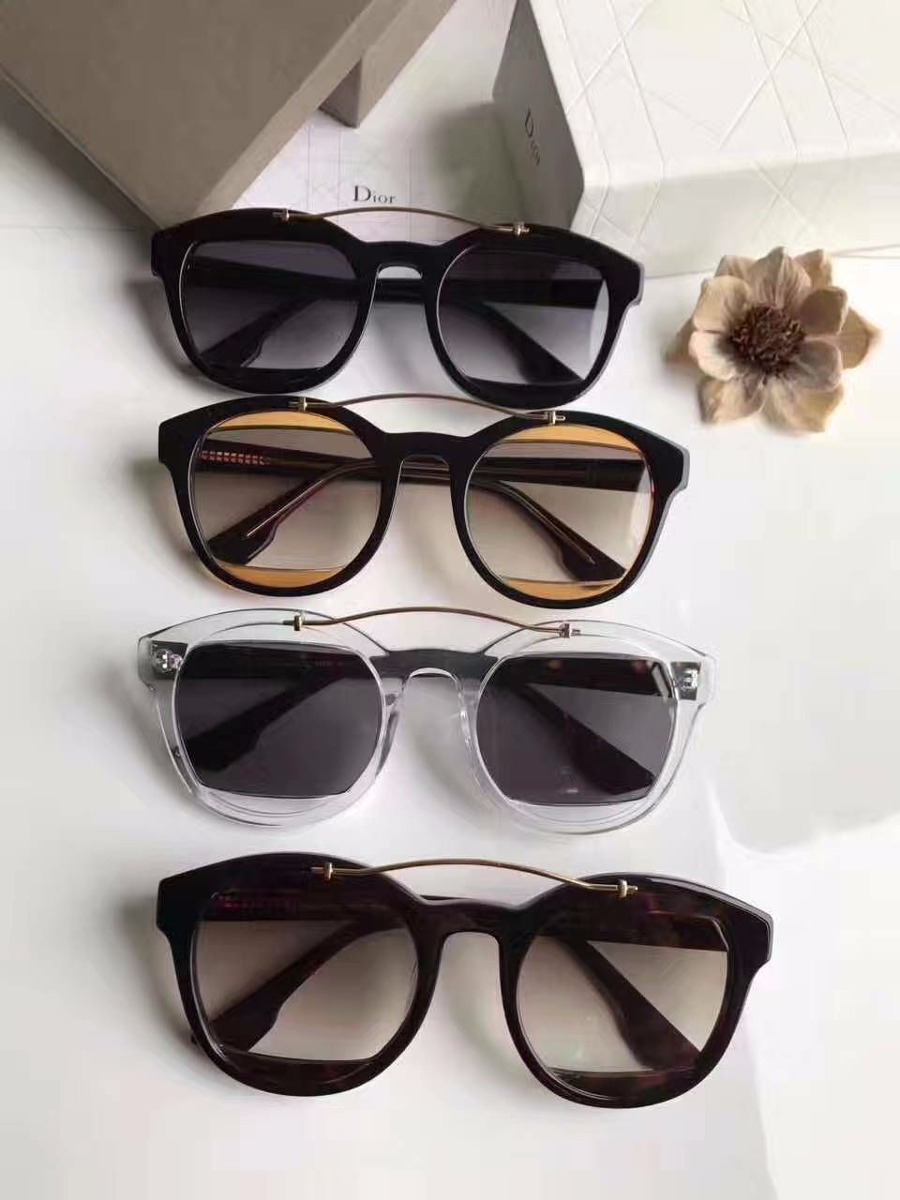 7bbee77e58e óculos de sol dior mania feminino com caixa. Carregando zoom.
