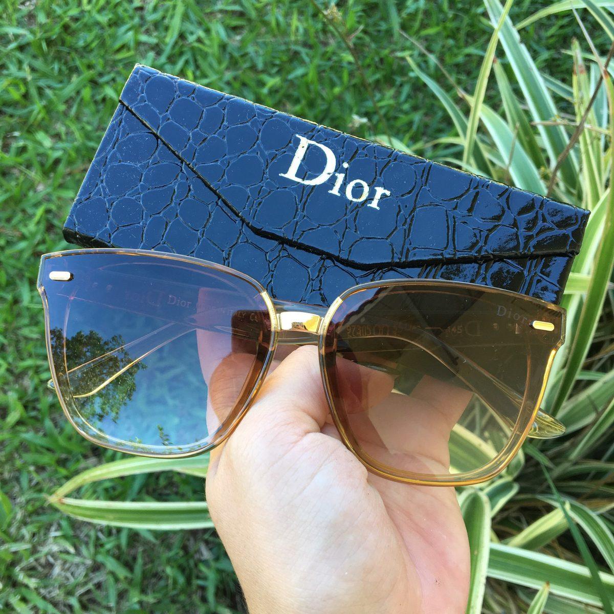 9074c004d5 Oculos De Sol Dior Marrom Original - R  159