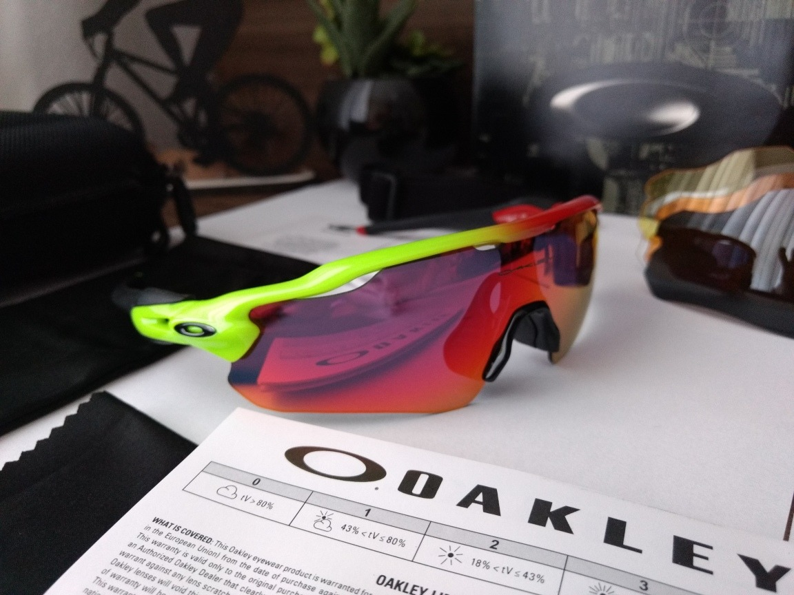 óculos de sol esportivo   ciclismo oakley radar com 5 lentes. Carregando  zoom. 7f080f7690