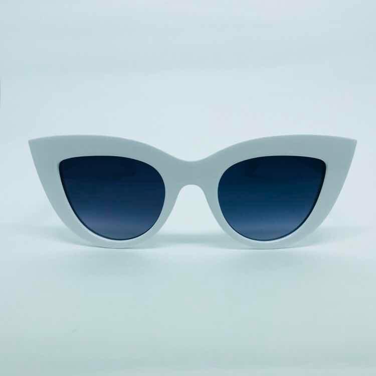 57e0f14cd2325 Óculos De Sol Feminino Armação Branca - R  29,90 em Mercado Livre