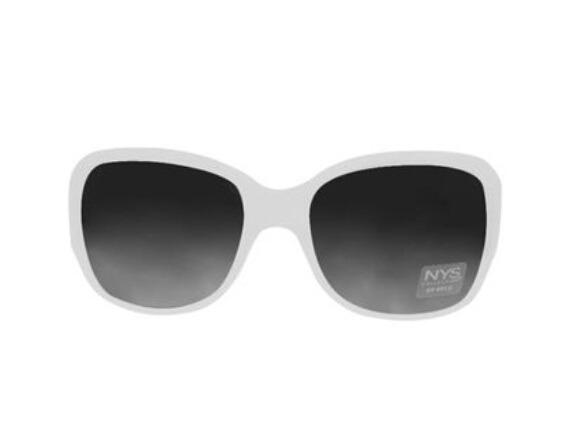 ad051fd95d826 Óculos De Sol Feminino Armação Branca Lente Escura - R  90,00 em ...