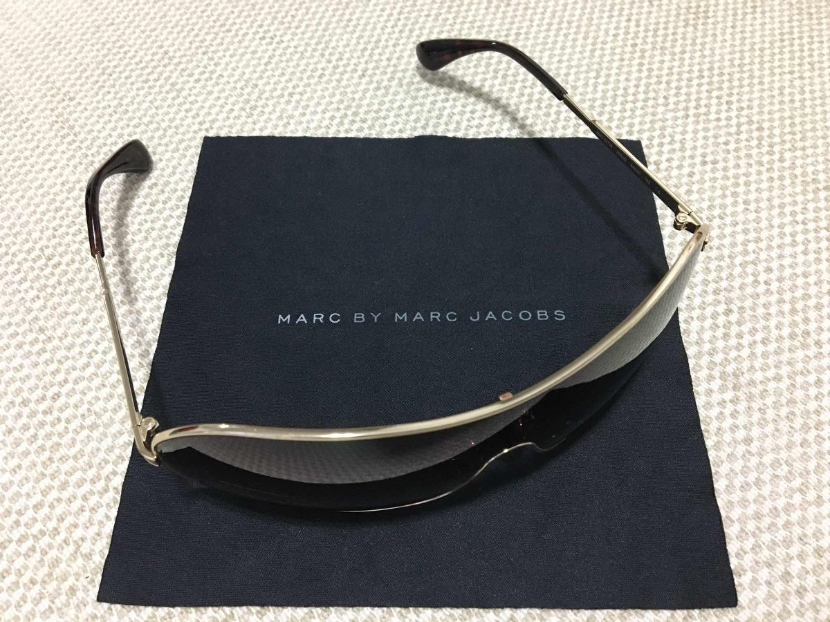 60057417fc9e4 Óculos De Sol Feminino Dourado Marc Jacobs - R  225