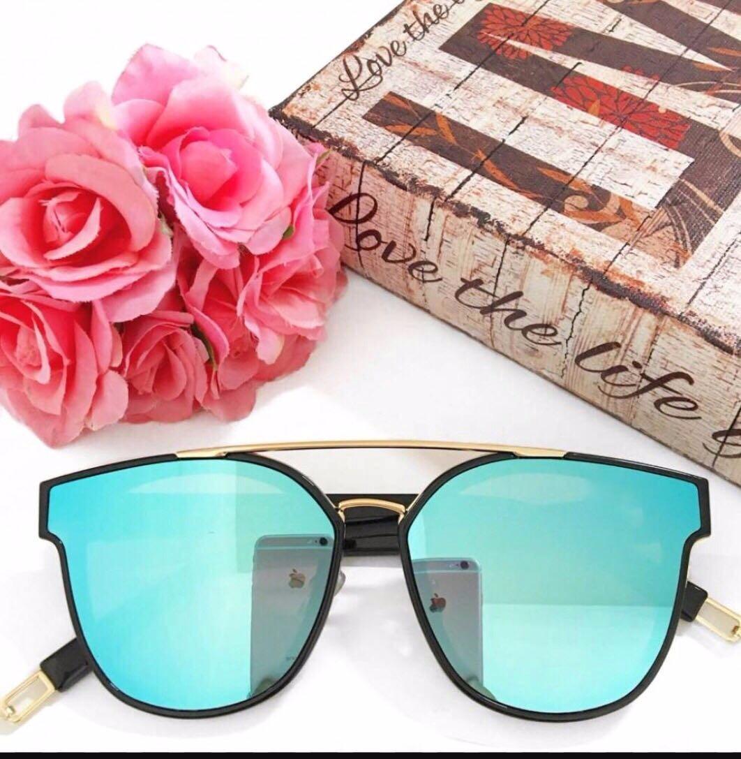 8bcee775f8e89 Óculos De Sol Feminino Espelhado Azul Original - R  79,00 em Mercado ...