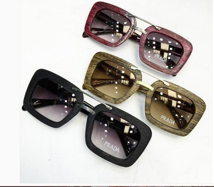 47ebd763b5bc1 Óculos De Sol Feminino Estilo Madeira Proteção Uv - R  120,00 em ...