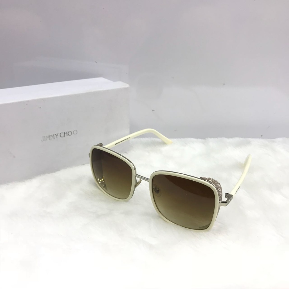 96229e114c9c3 Oculos De Sol Feminino Jimmy Choo Autêntico - R  949,00 em Mercado Livre