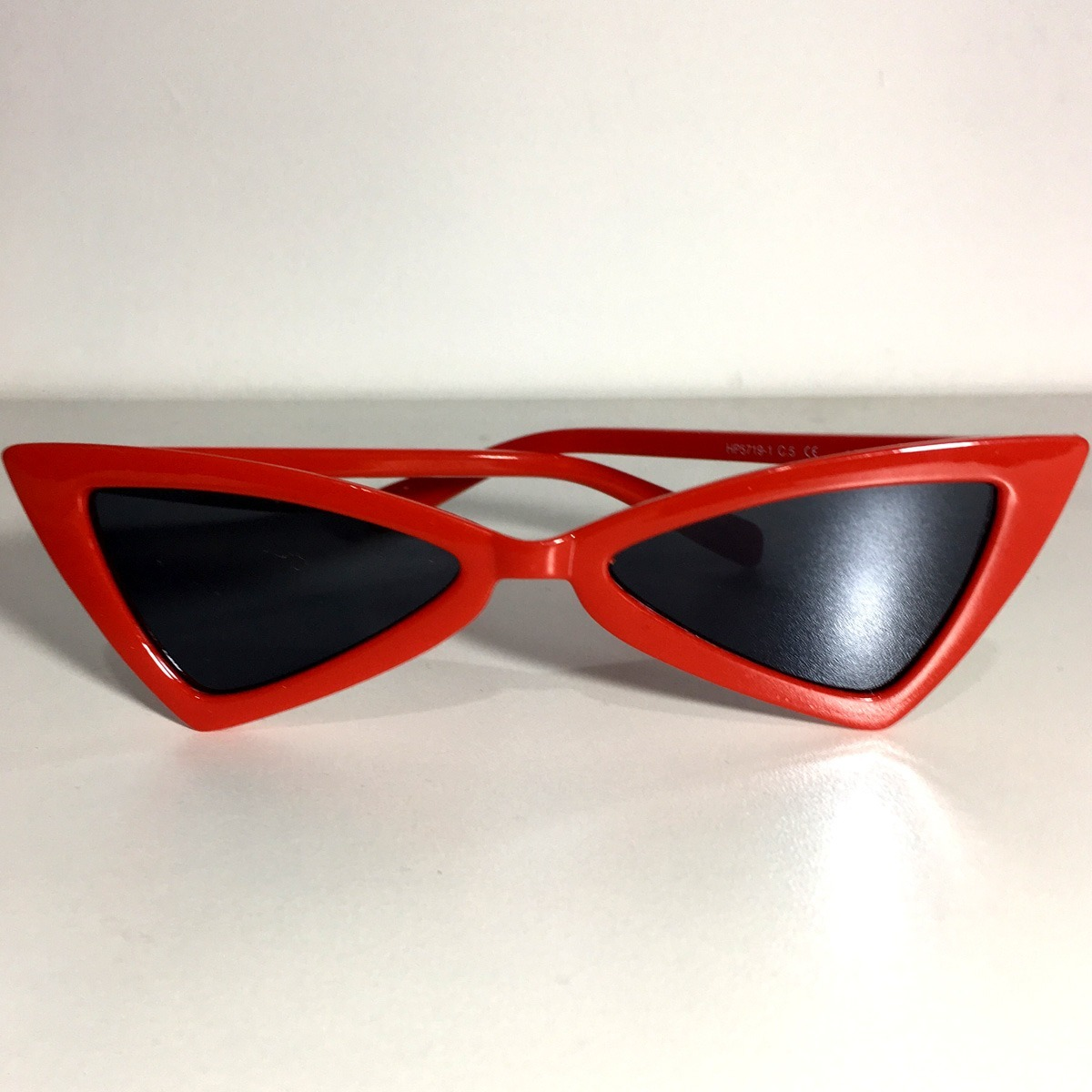 Óculos De Sol Feminino Lindo Estiloso Proteção Uv - R  40,00 em ... 217a4d0953