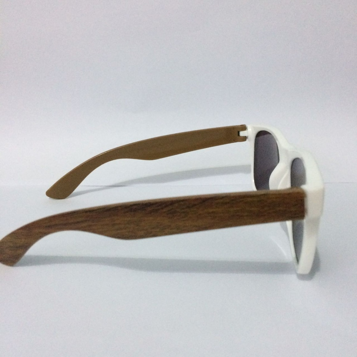 33a703915 óculos de sol feminino masculino armação branca vintage. Carregando zoom.