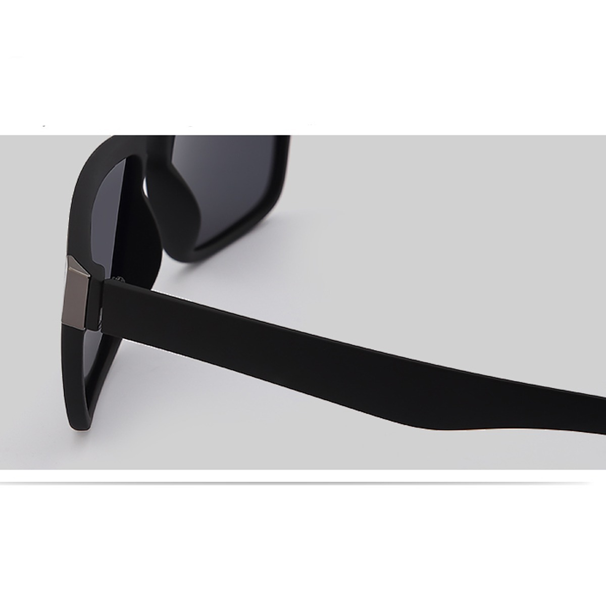 fb7974370 Óculos De Sol Feminino Masculino