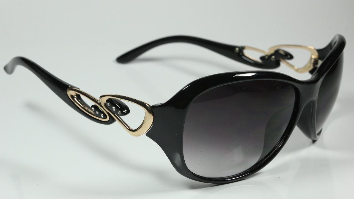 fb74bbcce8799 óculos de sol feminino preto fumê degradê retangular. Carregando zoom.
