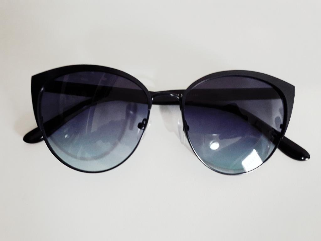 ea51e9349 óculos de sol feminino preto gatinho lente azul degradê. Carregando zoom.