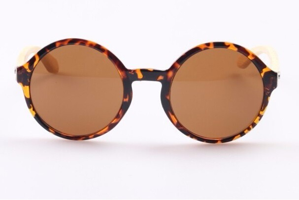 c9984d116d716 Óculos De Sol Feminino Redondo Bamboo Eyewear - R  73
