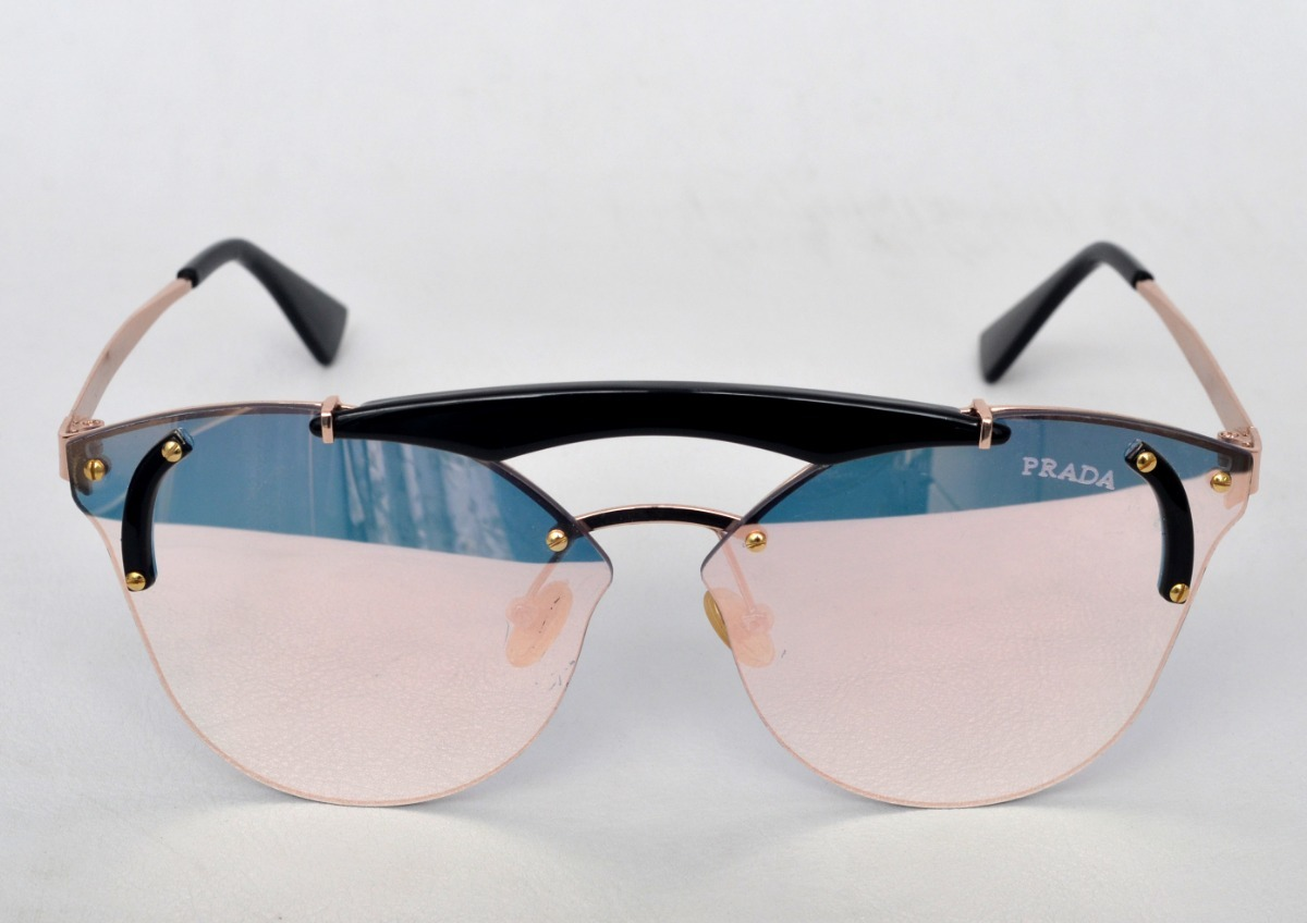 d1588ba5ddb36 Óculos De Sol Feminino Redondo Preto Lente Espelhada - R  35,00 em ...