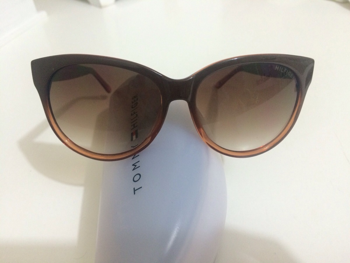 Oculos De Sol Feminino Tommy Hilfiger Original Novo - R  254,00 em ... f8dcd6f141