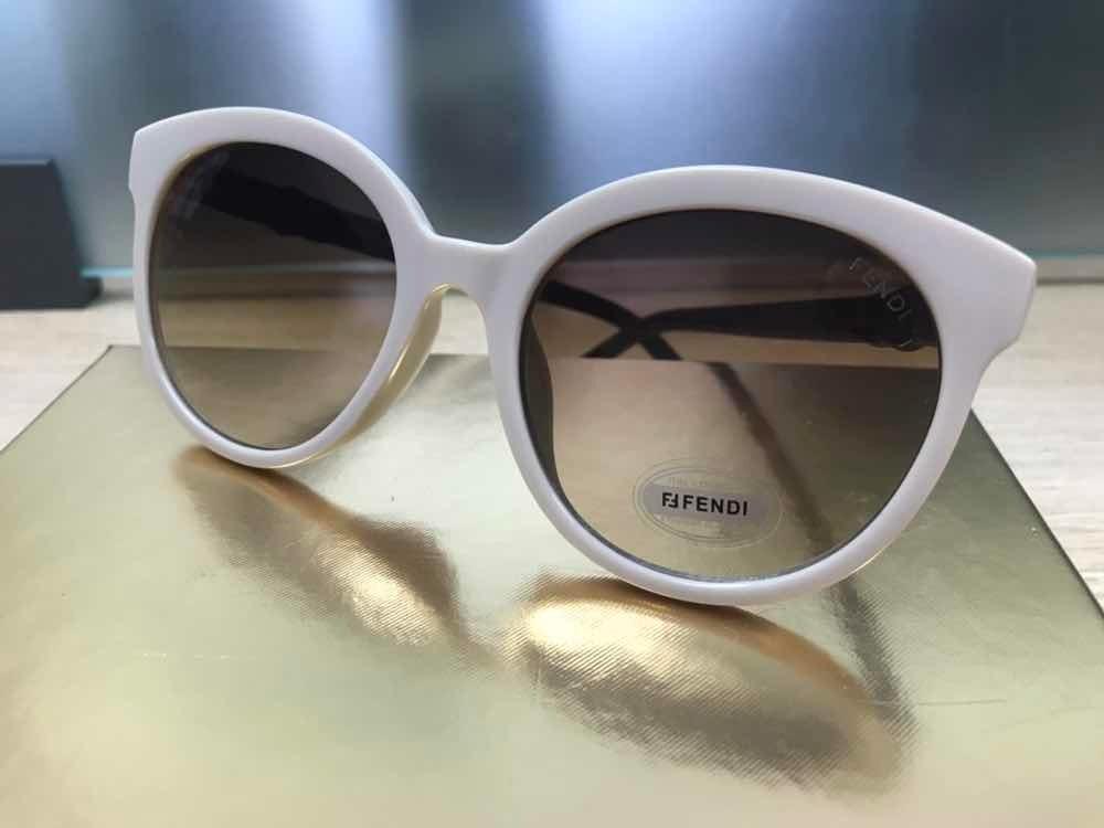 09634a300 óculos de sol fendi 0268 bege offwhite gatinho acetato. Carregando zoom.