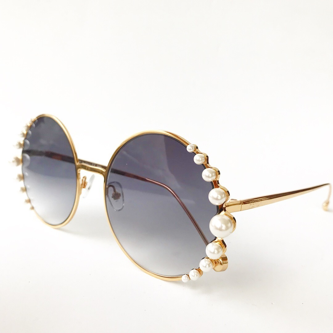 380397c6016e6 óculos de sol fendi pearls feminino pérola redondo round. Carregando zoom.