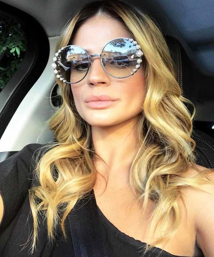 8bd0b79259540 óculos de sol fendi pearls feminino pérola redondo round. Carregando zoom.